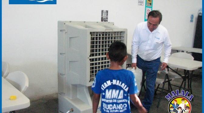 Entregan en donación equipo de enfriamiento de aire Climóvil